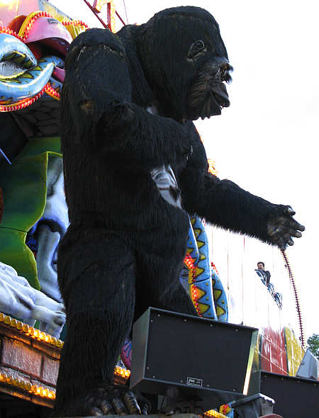 Heinerfest 2007 - Affe auf der Geisterbahn