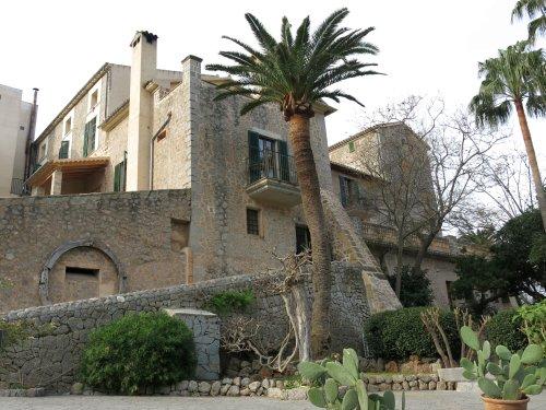 Mallorca2013HotelVonAussen.jpg