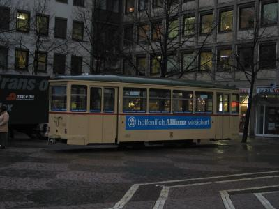 StrassenbahnLeichtVerloren.jpg
