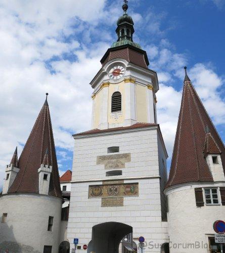 Wachau2017_KremsSteinerTor.jpg