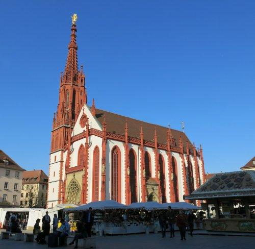 Wuerzburg201503_Neumuenster.jpg
