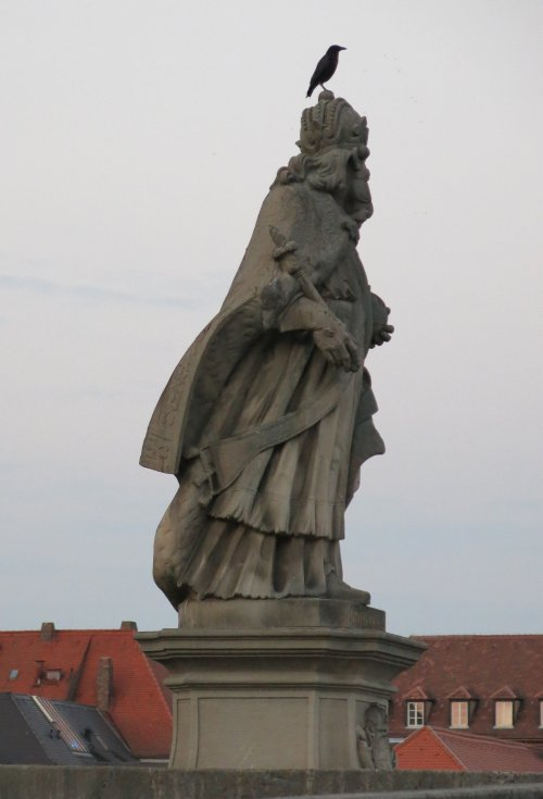Wuerzburg201508_Bruecke_CarolusMagnus.jpg