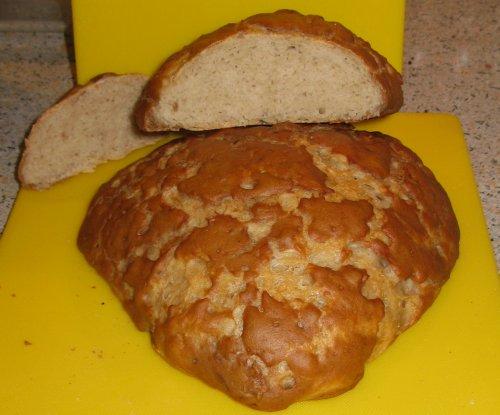 Dinkel-Dreispitz-Brot.jpg