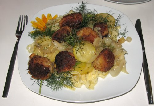 ZucchiniFenchelGemueseMitPanierterBratwurst.jpg
