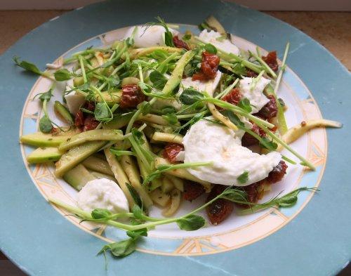 ZucchiniSalatMitTrueffelmozzarella.jpg